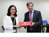 The President of Vietnam National University of Agriculture warmly welcomed the Ambassador of Argentine Republic to Vietnam
