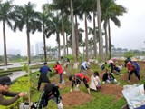 Students of Vietnam National University of Agriculture participated in the Sakura planting event with AEON Mall Vietnam