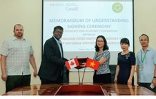 Memorandum of Understanding between the Canadian Food Inspection Agency and Vietnam National University of Agriculture on research cooperation in animal diseases signed